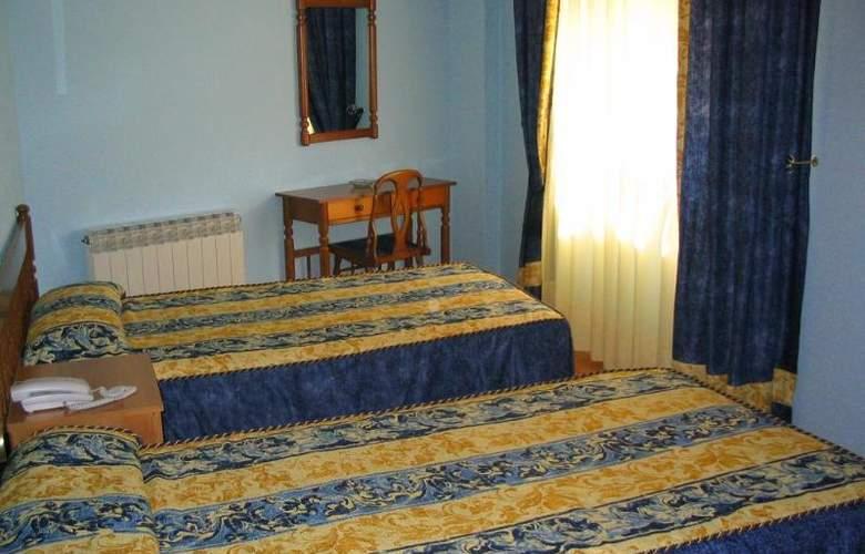 Isabel - Room - 2
