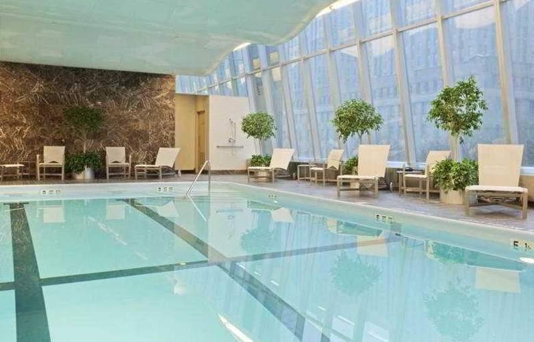 Millennium Hilton New York Downtown - Pool - 5