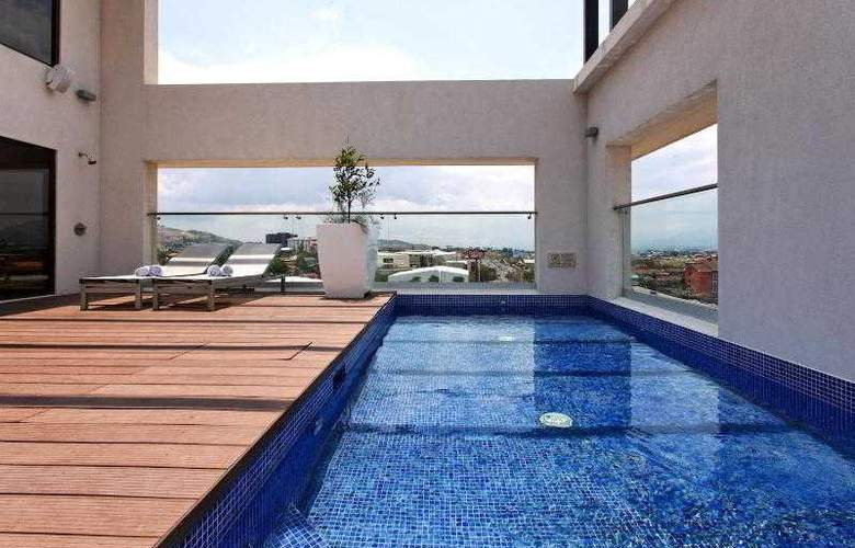 Holiday Inn San Jose Escazu - Terrace - 29