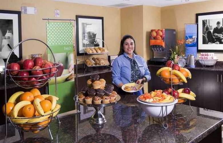 Hampton Inn & Suites Sarasota/University Park - Hotel - 4