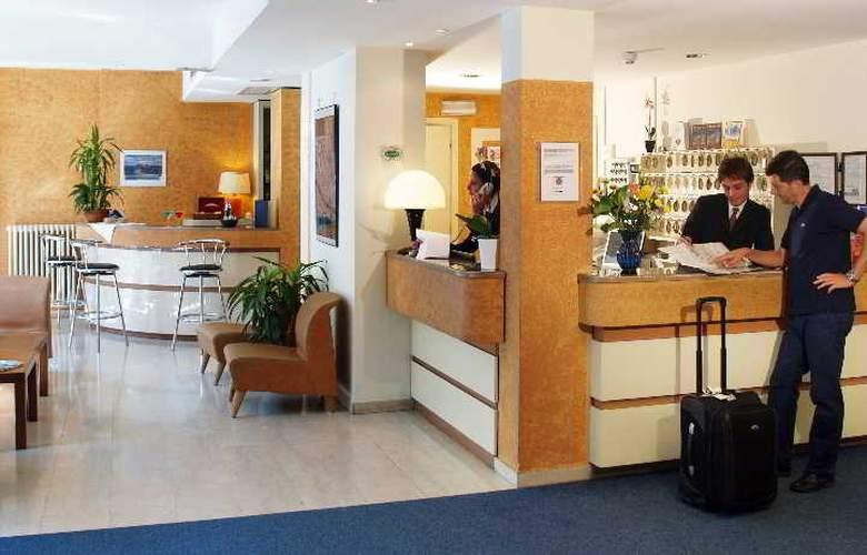 Meridiana - Hotel - 4