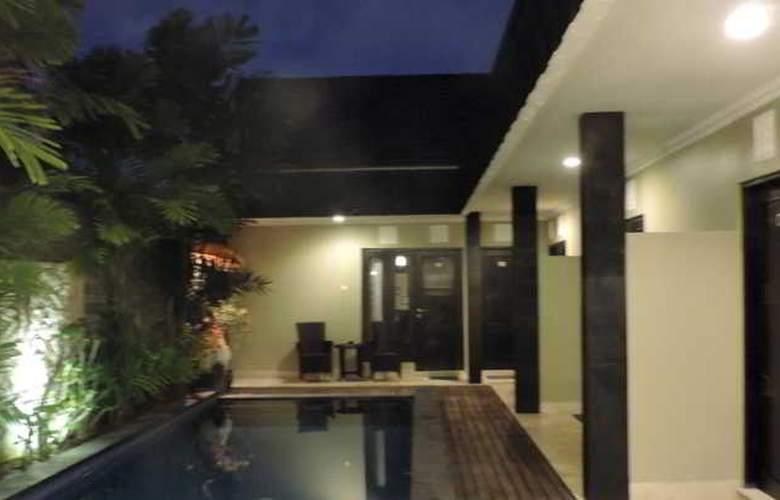Legian Guest House - Pool - 18