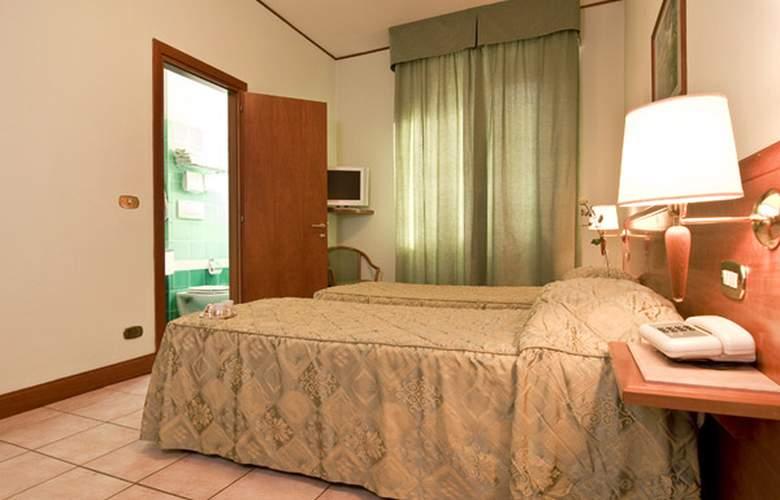 Hotel Astor - Room - 3