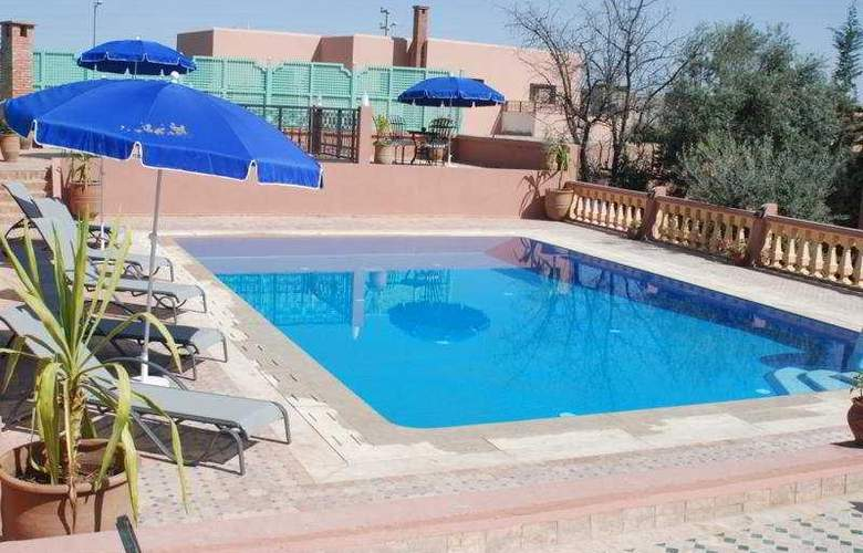 Villa Guest - Pool - 8