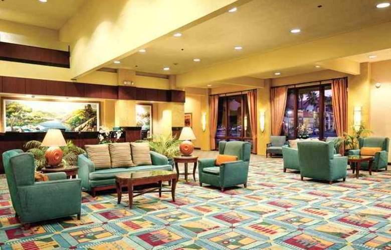 DoubleTree by Hilton Hotel Bakersfield - Hotel - 1