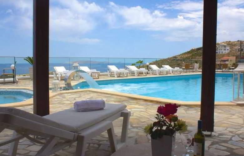 Happy Cretan Suites - Pool - 10