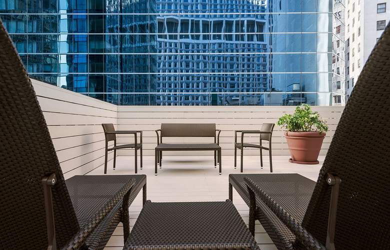 Hampton Inn Manhattan/Downtown-Financial District - Terrace - 6