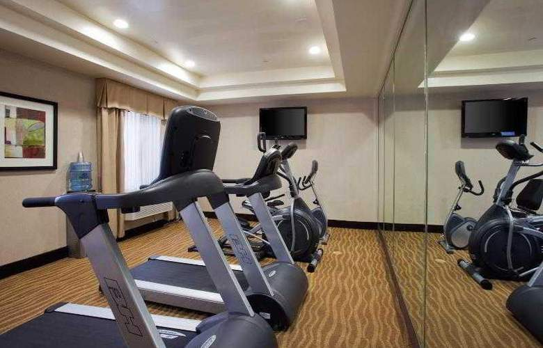 Holiday Inn Express and Suites LAX - Hawthorne - Sport - 24