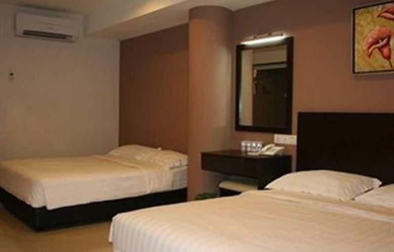 Izumi Hotel - Room - 2