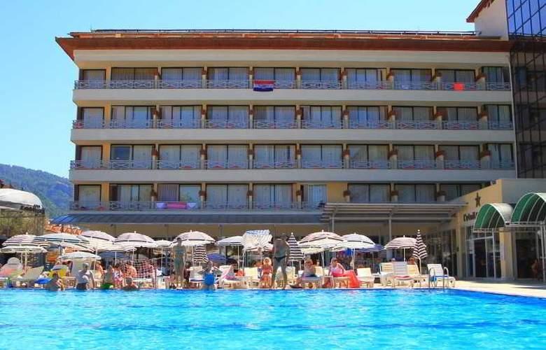 L´ Etoile Beach Hotel - Hotel - 8