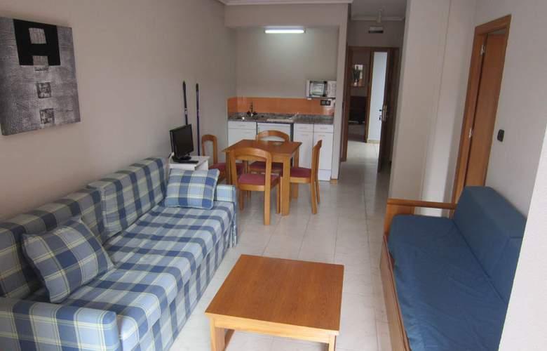 Apartamentos Turísticos Laredo Playa - Room - 5