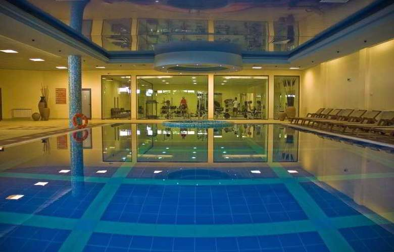 Grifid Hotel Bolero - Pool - 4