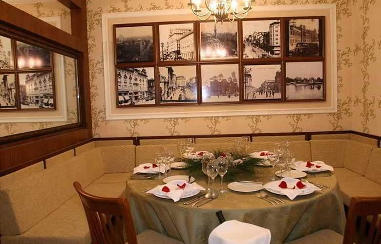 Royal Towers - Restaurant - 9