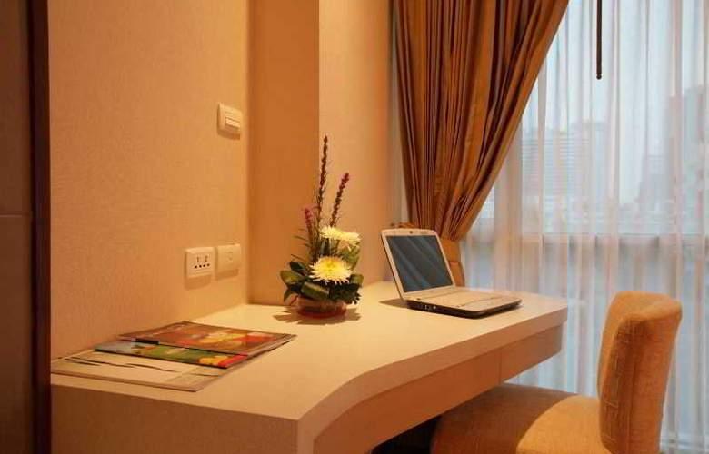 Adelphi Suites - Room - 11