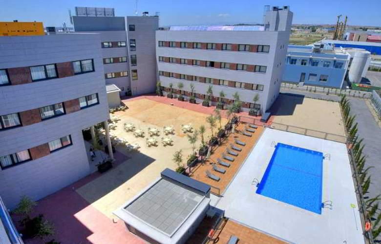 Avant Torrejon - Pool - 3