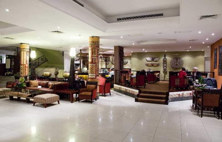 The African Regent Hotel - Bar - 4