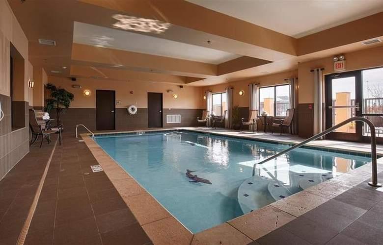 Best Western Tupelo Inn & Suites - Pool - 67