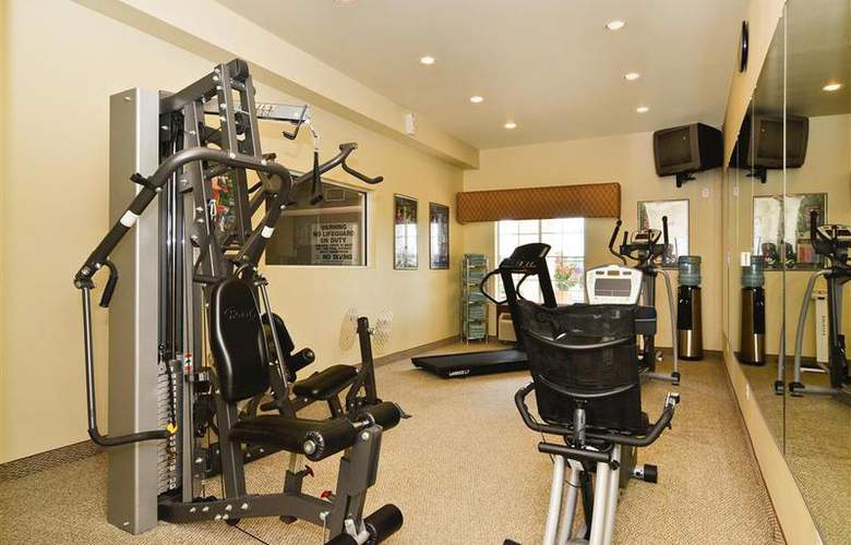 Best Western Plus Monica Royale Inn & Suites - Sport - 152