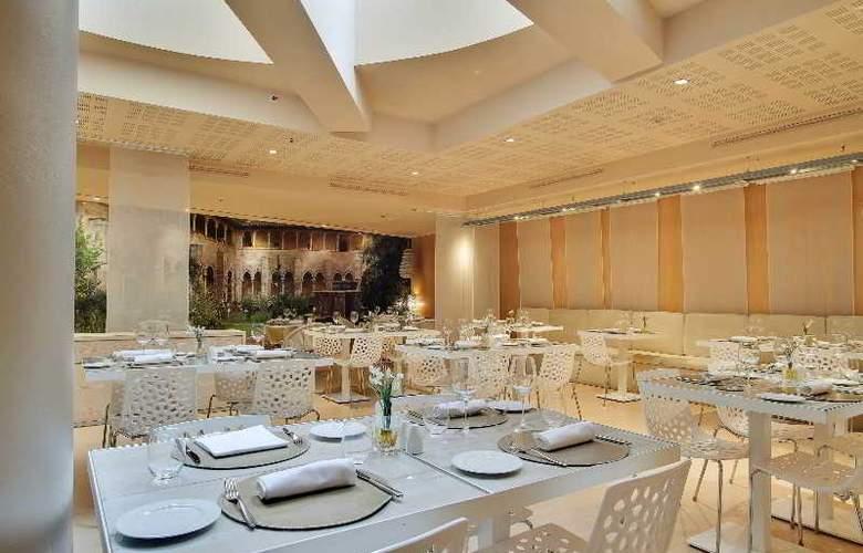 Rafael Hoteles Badalona - Restaurant - 42
