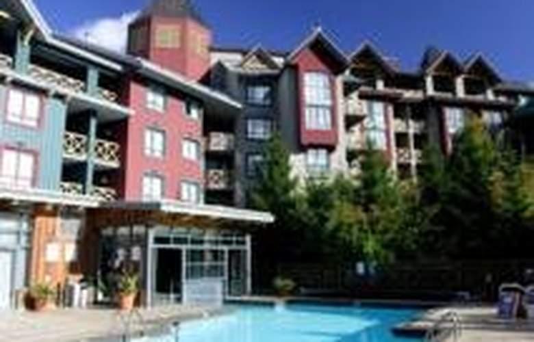 Delta Whistler Village Suites - Pool - 9