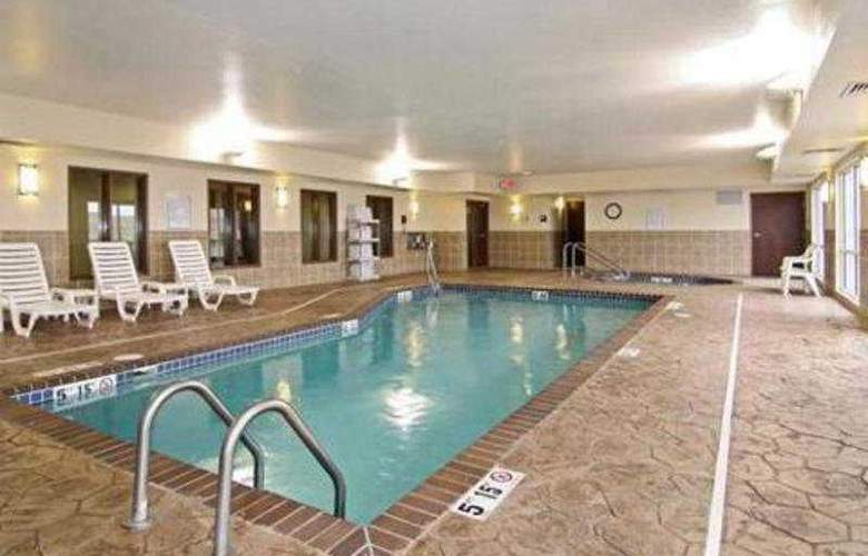 Comfort Suites Rapid City - Pool - 3