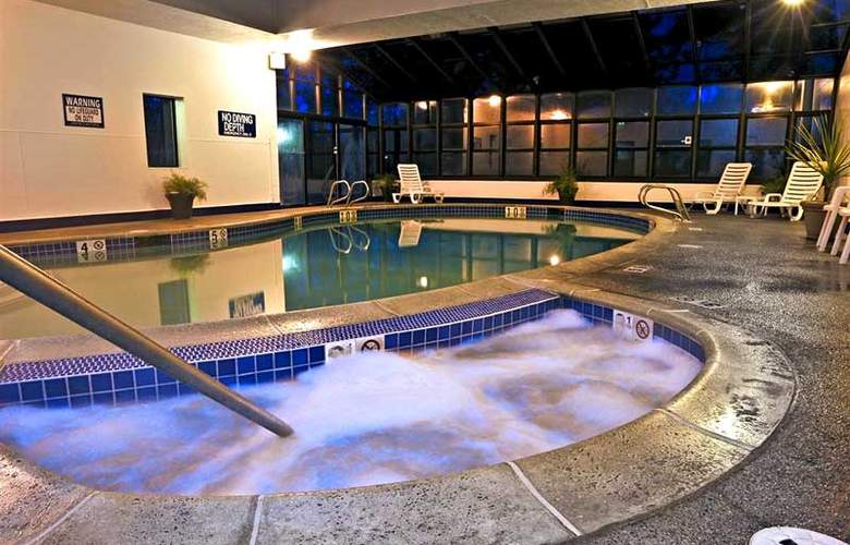 Cottonwood Suites Riverside Downtown - Pool - 3
