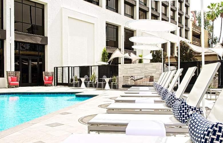 Beverly Hills Marriott - Pool - 35