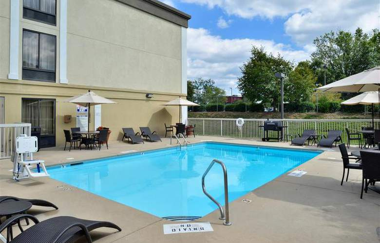 Best Western Plus Windsor Suites - Pool - 38