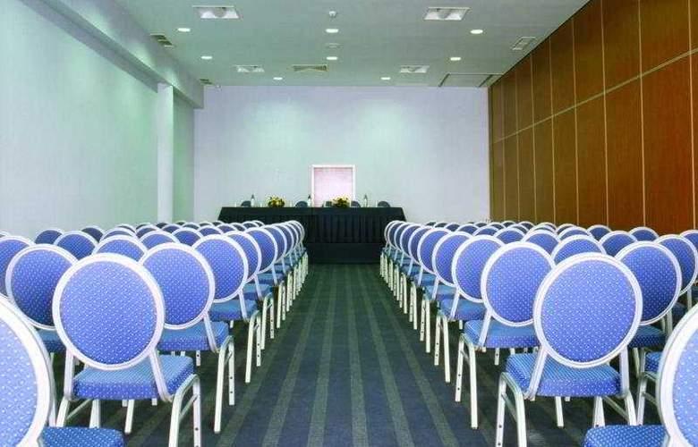 VIP Executive Santa Iria - Conference - 5