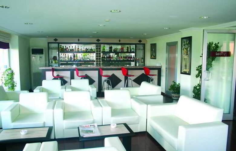 Lara Dinc Hotel - Bar - 4