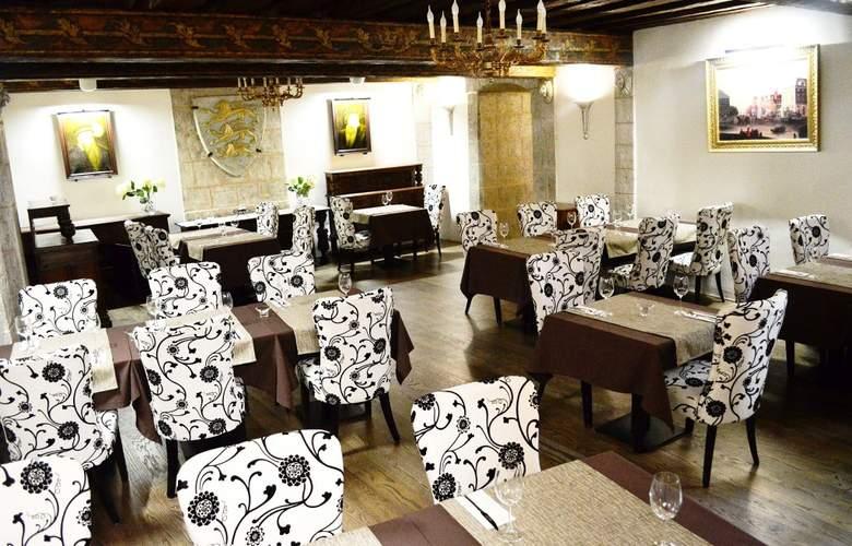 Three Crowns Residence - Restaurant - 3