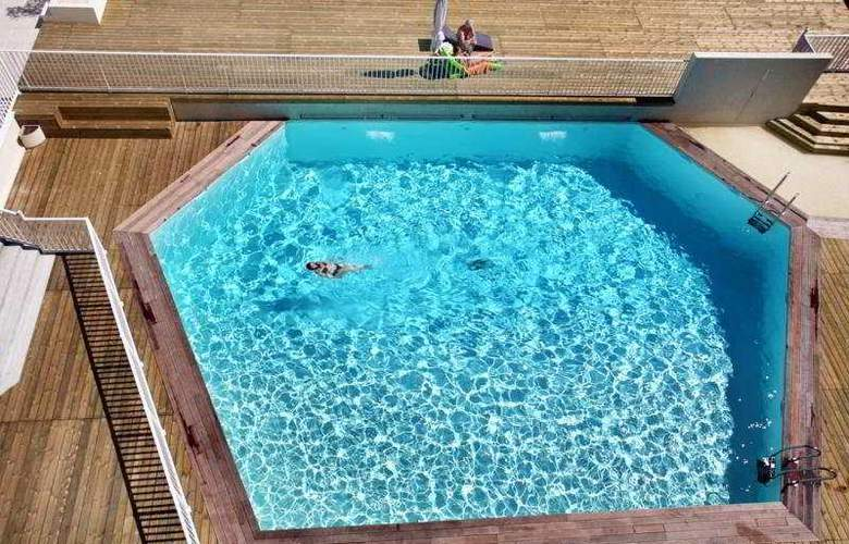 Le Saint Clair - Pool - 3