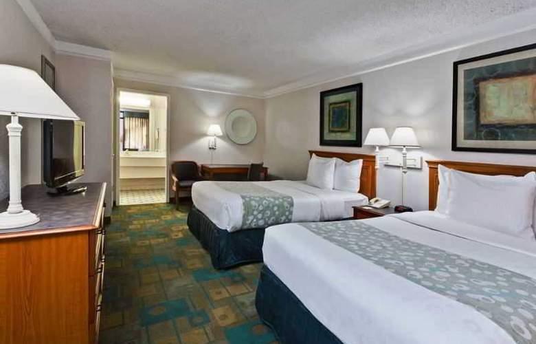 La Quinta Inn - Room - 2