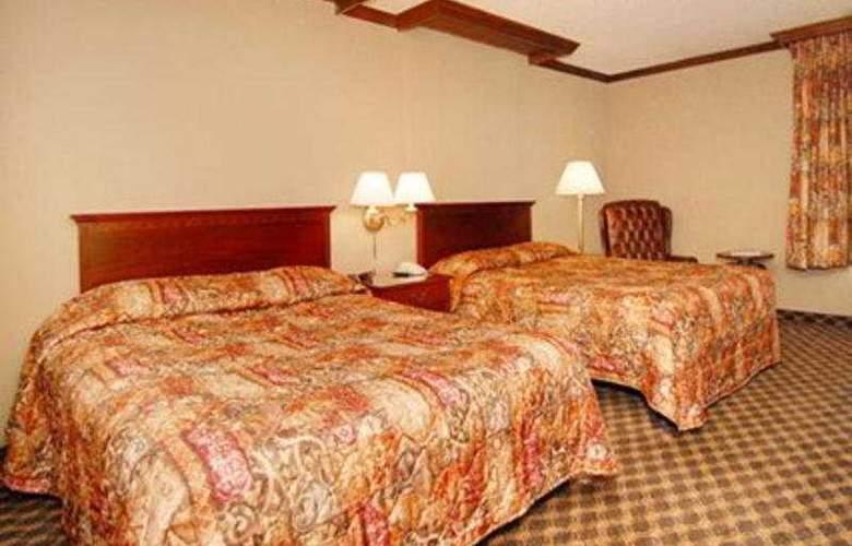 Rodeway Inn & Suites - Room - 2