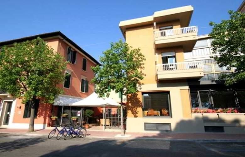 Montebello Hotel - Hotel - 0