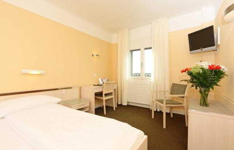 Bernina Swiss Quality - Room - 4