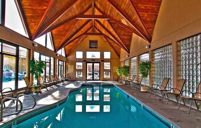 Best Western Town & Country Inn - Hotel - 33