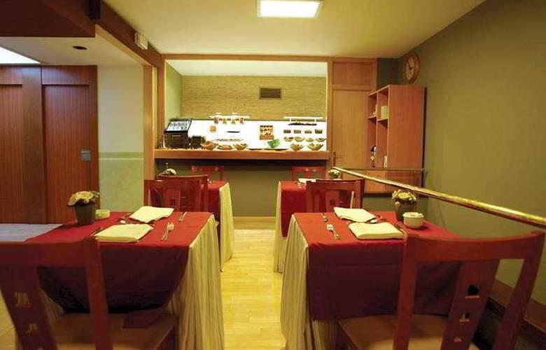 City Senator - Restaurant - 9