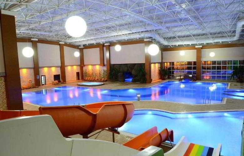 Grand Ozgul Thermal Holiday Village - Pool - 9