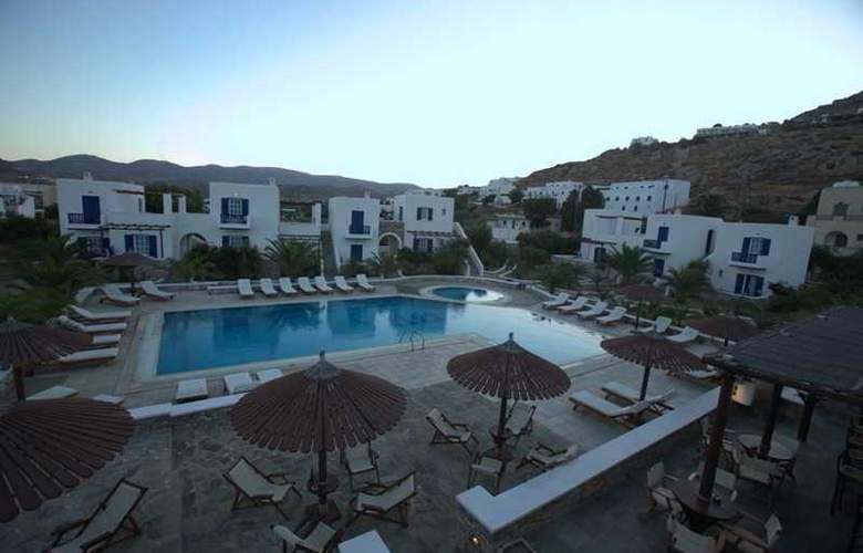 Petros Place - Pool - 9