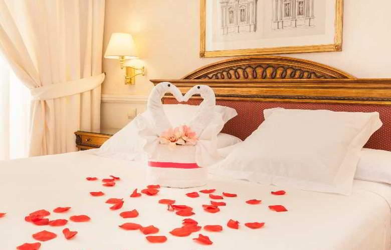 Apartamentos Guadalpin Suites - Room - 8