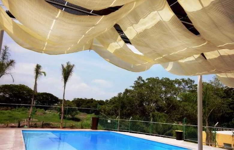 Hotel Zar Colima - Pool - 3