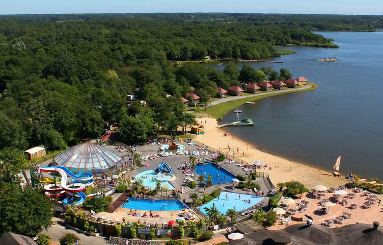 Hotel camping la paillotte azur for Camping con piscina cubierta