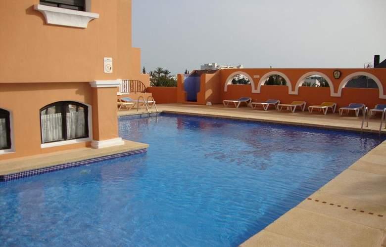 Apartamentos Fenix - Pool - 3