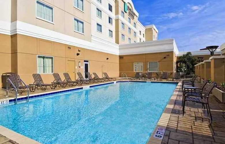 Embassy Suites Tampa Brandon - Hotel - 2