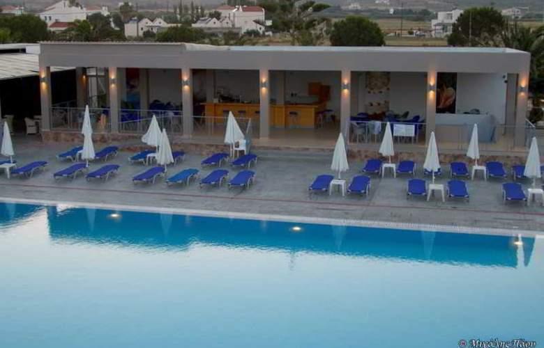 Asteras Resort - Pool - 9