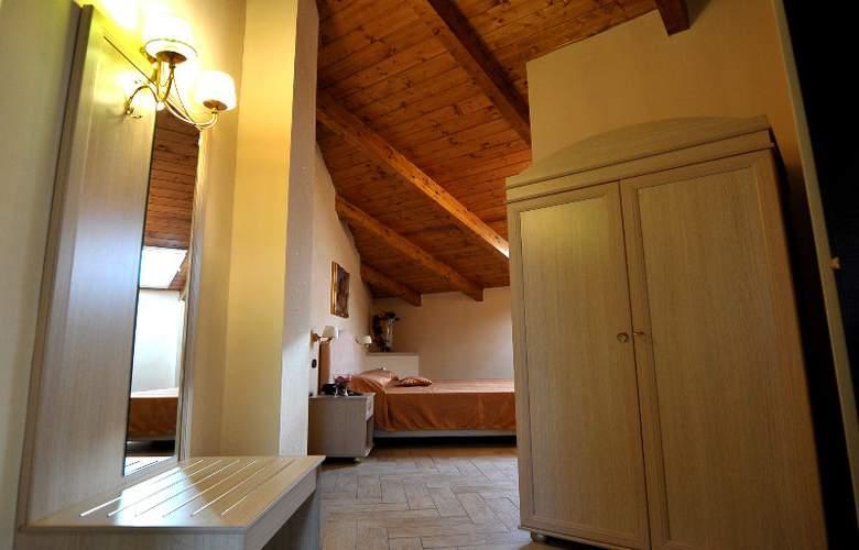 Barbato - Room - 9