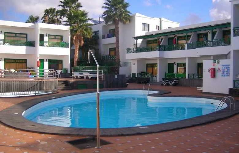 Elena Apartamentos - Pool - 4