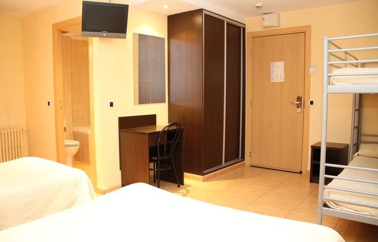La Mola - Room - 8