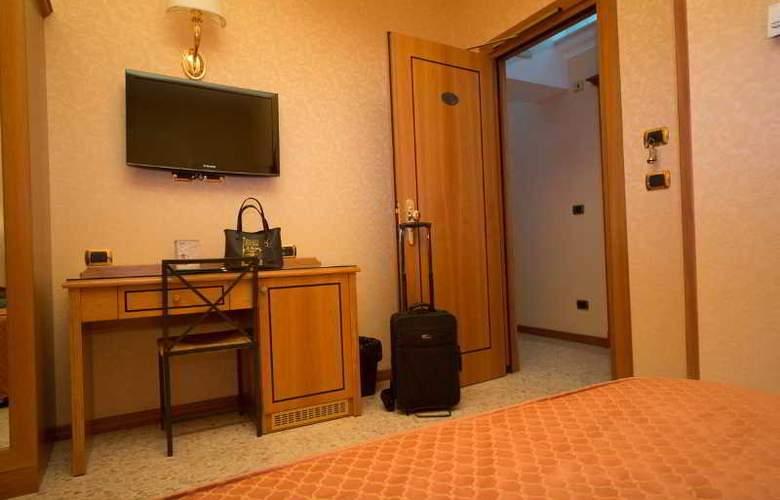 Dependance Hotel Dei Consoli - Room - 7